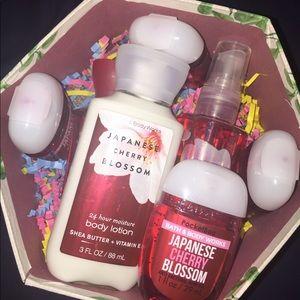 B&BW Japanese Cherry Blossom Gift Box